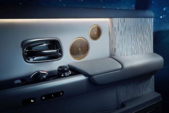 Xe Rolls-Royce Phantom Tranquillity hơn 60 tỷ 'cập bến' Việt Nam