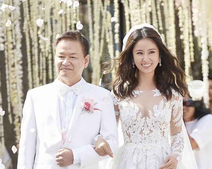 Ảnh chưa từng công bố trong đám cưới Lâm Tâm Như