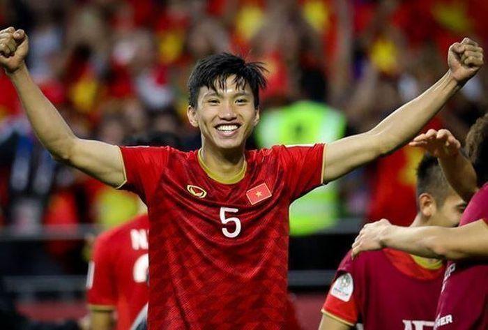 HLV đưa Việt Nam dự World Cup nói điều khiến Văn Hậu 'mát lòng'