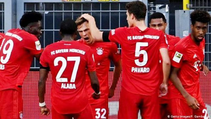 Đánh bại Borussia Dortmund, Bayern Munich tiến gần tới chức vô địch
