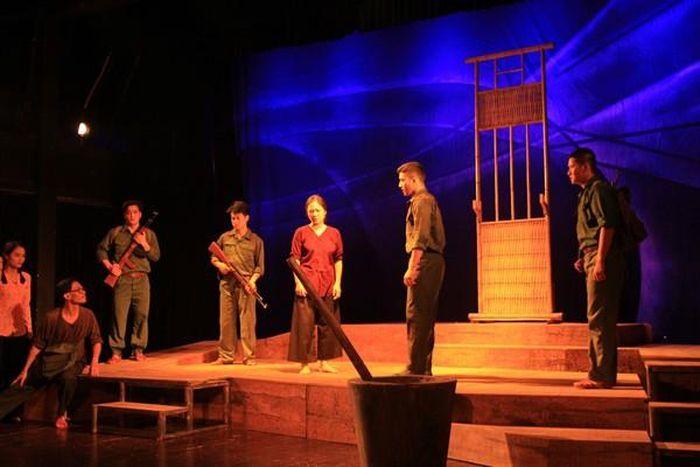 Nhà hát Kịch Việt Nam tiếp tục 'hâm nóng' sân khấu với 'Điều còn lại'
