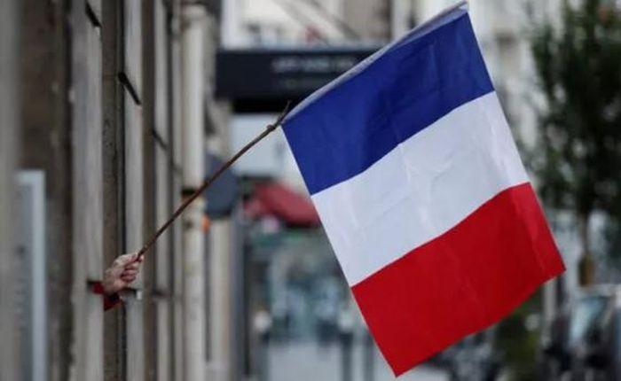 Tình hình y tế được cải thiện, Pháp tiếp tục dỡ bỏ nhiều hạn chế