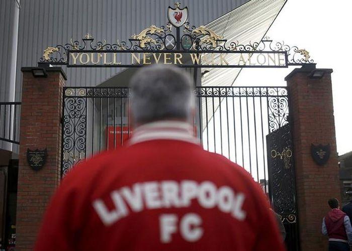 NÓNG: Liverpool bị ép vô địch trên sân trung lập