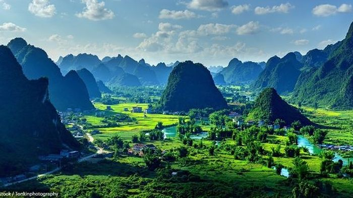 Phong cảnh Việt Nam lên báo Anh, được ca ngợi đẹp đến 'nín thở'