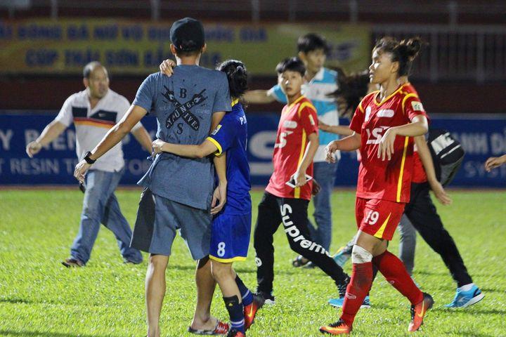 NÓNG: Quyết định kỷ luật vụ nữ cầu thủ đánh nhau