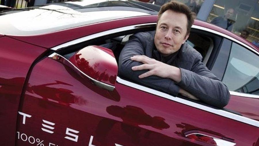 Ủy ban Chứng khoán Mỹ kiện đòi loại bỏ Elon Musk khỏi Tesla