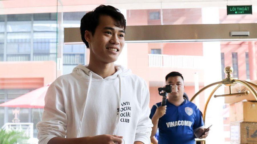 Văn Toàn sẽ cùng tuyển Việt Nam sang Philippines đá bán kết AFF Cup